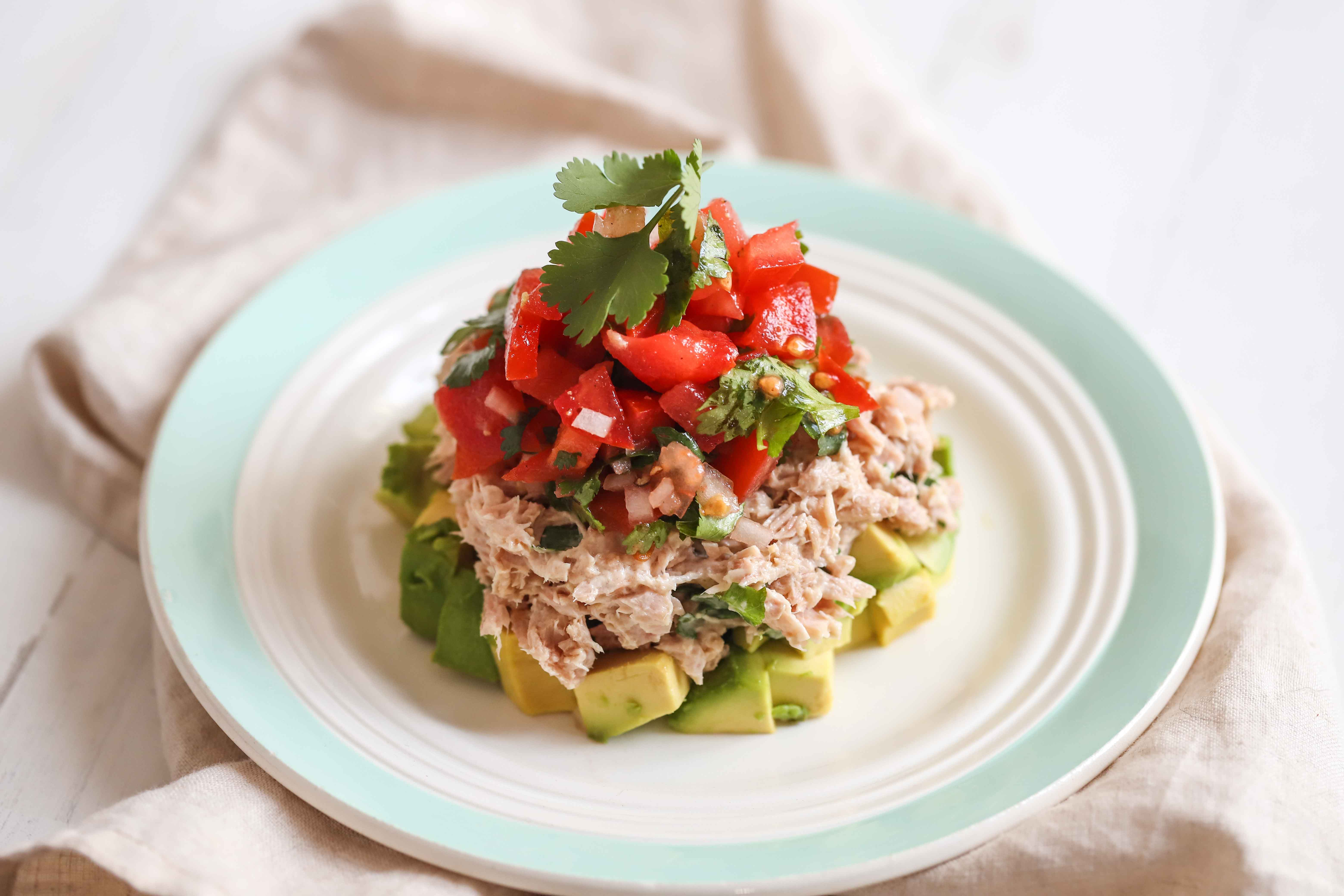 Avocado and tuna salad, so easy to make